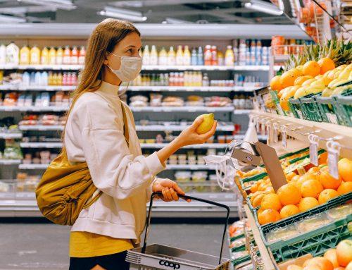 Schutzmasken beim Einkaufen